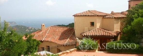 Villa bifamiliare vista mare nella splendida cornice del Pevero Golf