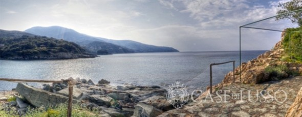 Exclusive villa directly on the beach on Elba Island