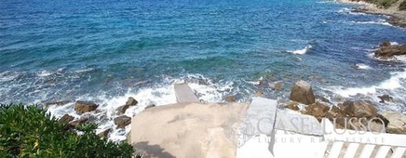 Elegant villa on the sea along the Tuscan coast
