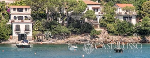 Villa in exclusive location with private beach at Argentario