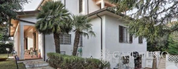 Beautiful villa in a private and quiet location