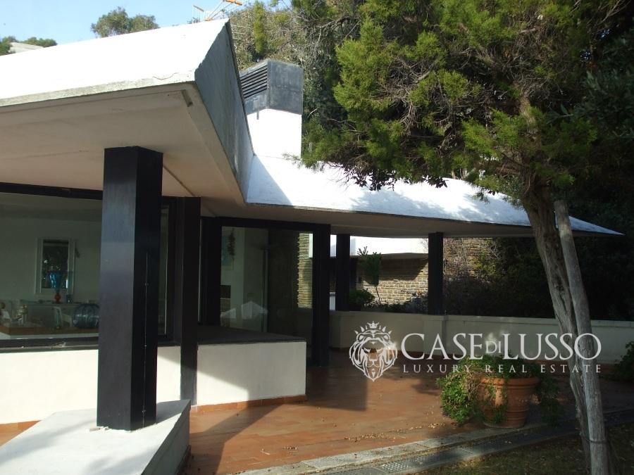 Villa di lusso con accesso al mare in localit esclusiva for Case di lusso al mare