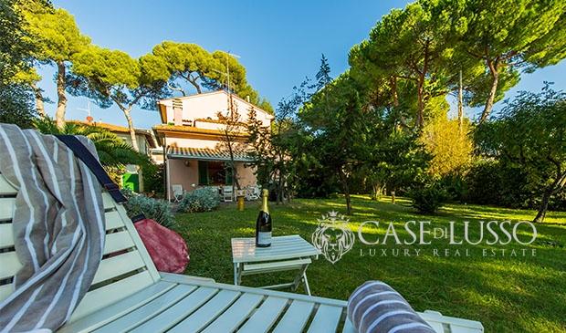 Villa Con Ampio Giardino Nei Pressi Del Mare A Castiglioncello