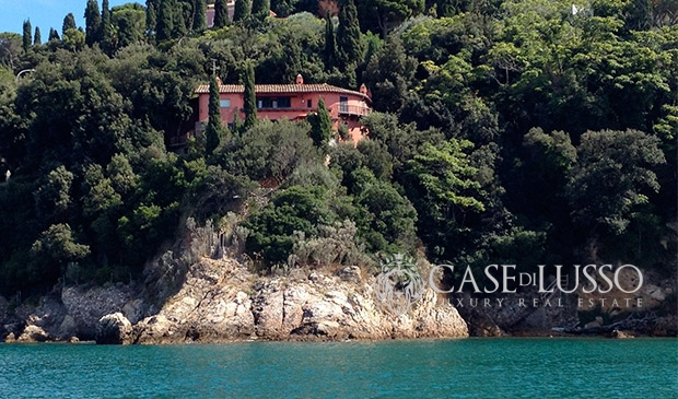 Fronte mare case di for Ville di lusso sul mare