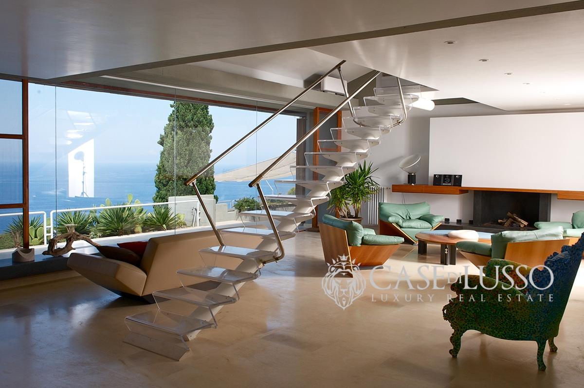 Villa in stile moderno in contesto esclusivo con stupenda for Interni ville